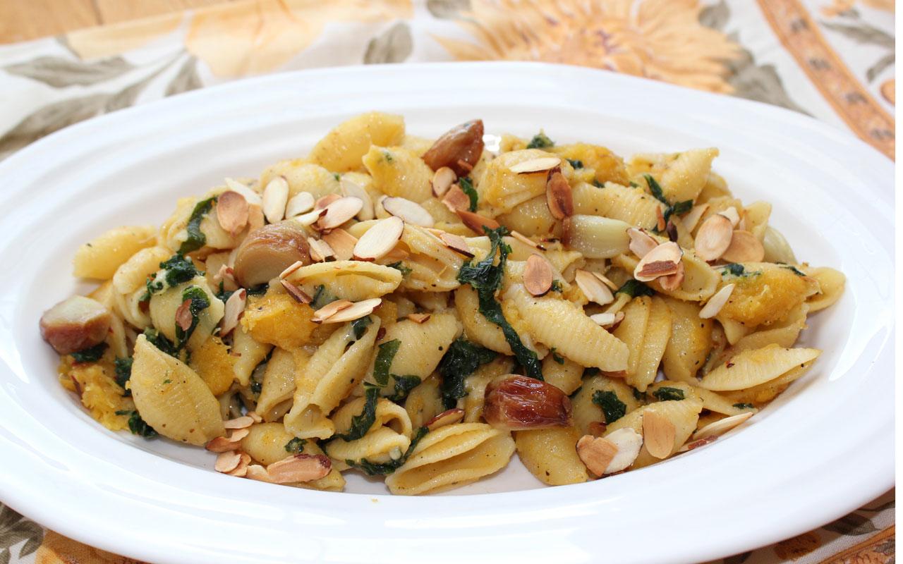 Acorn Squash, Roasted Garlic & Kale Pasta