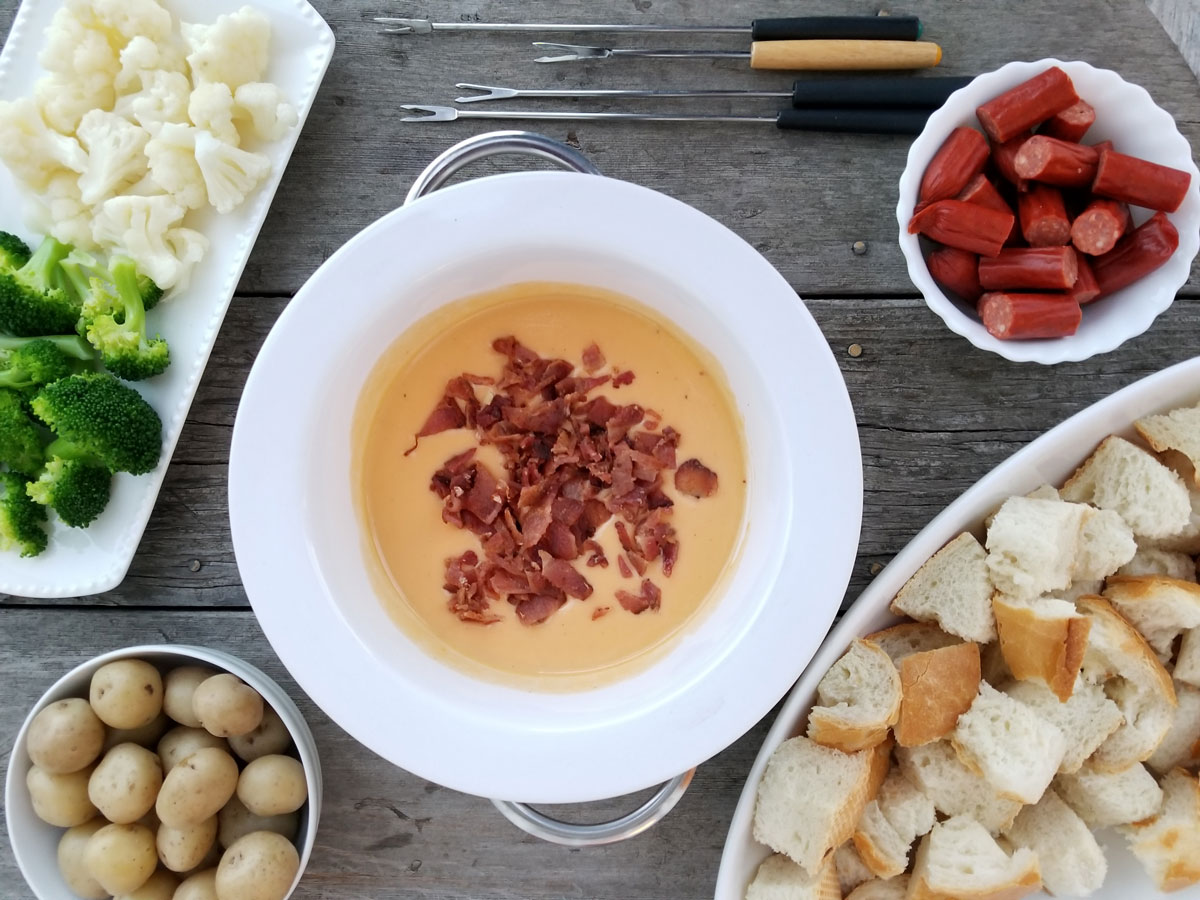 Old Cheddar Cheese and Bacon Fondue