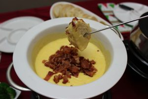 Old Cheddar Cheese & Bacon Fondue