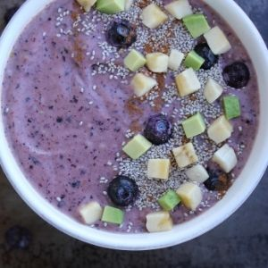 blueberry mango smoothie bowl 300
