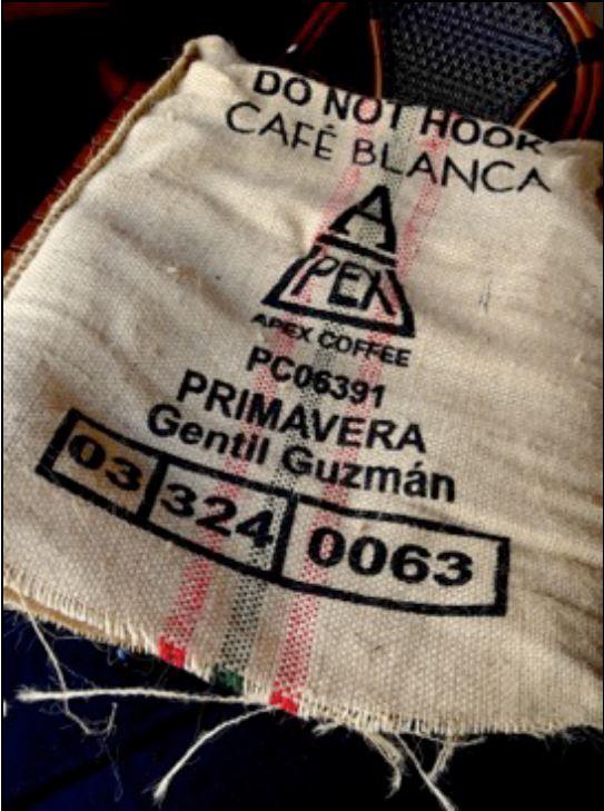 Photos Credit: Cafe Blanca