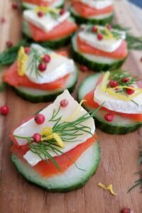 smoked salmon cucumber rounds